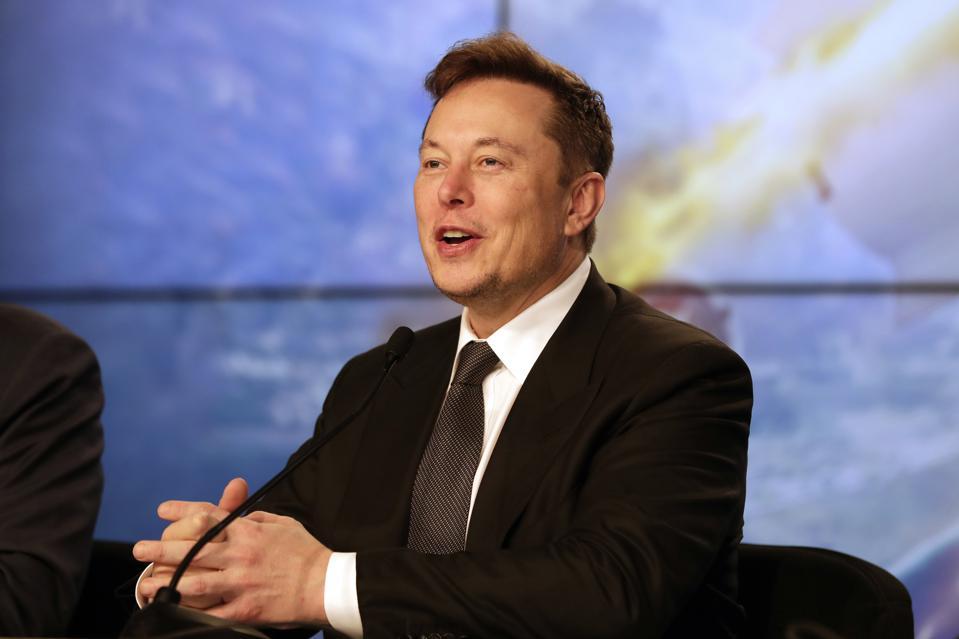"""Elon Musk'tan Gelecek Büyük """"Pil"""" Haberi"""