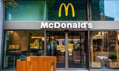 Kırık McDonald's Dondurma Makinelerini Takip Eden 24 Yaşındaki Genç