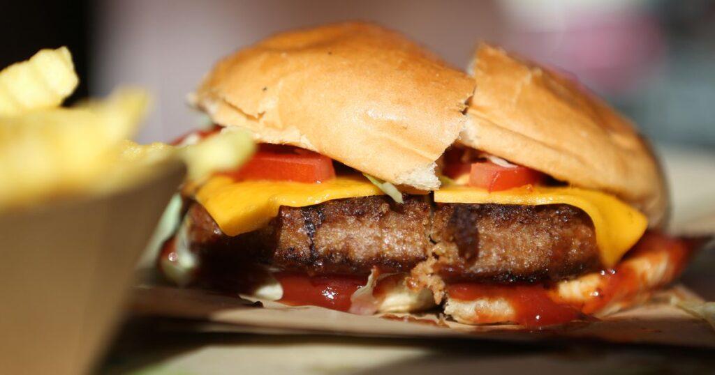 Apple ve McDonald's videosunda Big Mac değişiklikleri bekleniyor - CNET
