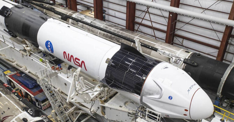 NASA, SpaceX'i İnsan Uzay Yolculuğu İçin Resmi Olarak Onayladı
