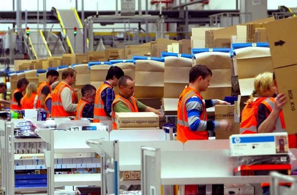 Amazon, ön saflarda çalışanlara 500 milyon dolarlık özel tatil ikramiyesi verdi