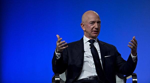 Dünya çapında 400 politikacı, daha fazla vergi ödemek ve ücretleri artırmak için Amazon CEO'su Jeff Bezos'u yazdı