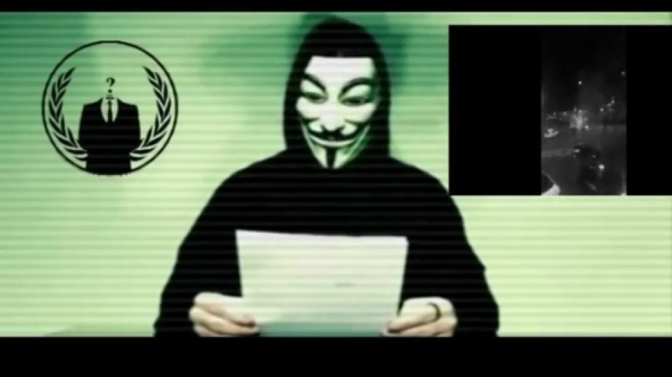 Ünlü Hacker Grubu Anonymous, Facebook'a Rest Çekti
