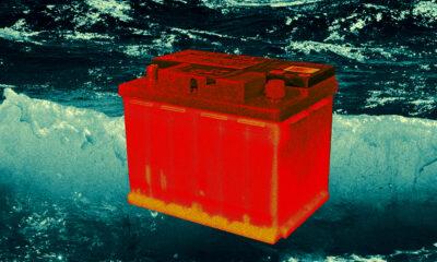 Google Neden İnsanlara Araba Akülerini Okyanusa Atmalarını Söylüyor?